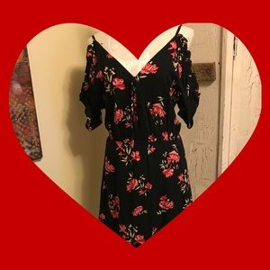 Beautiful black flower pattern dress 🌺🖤🌺